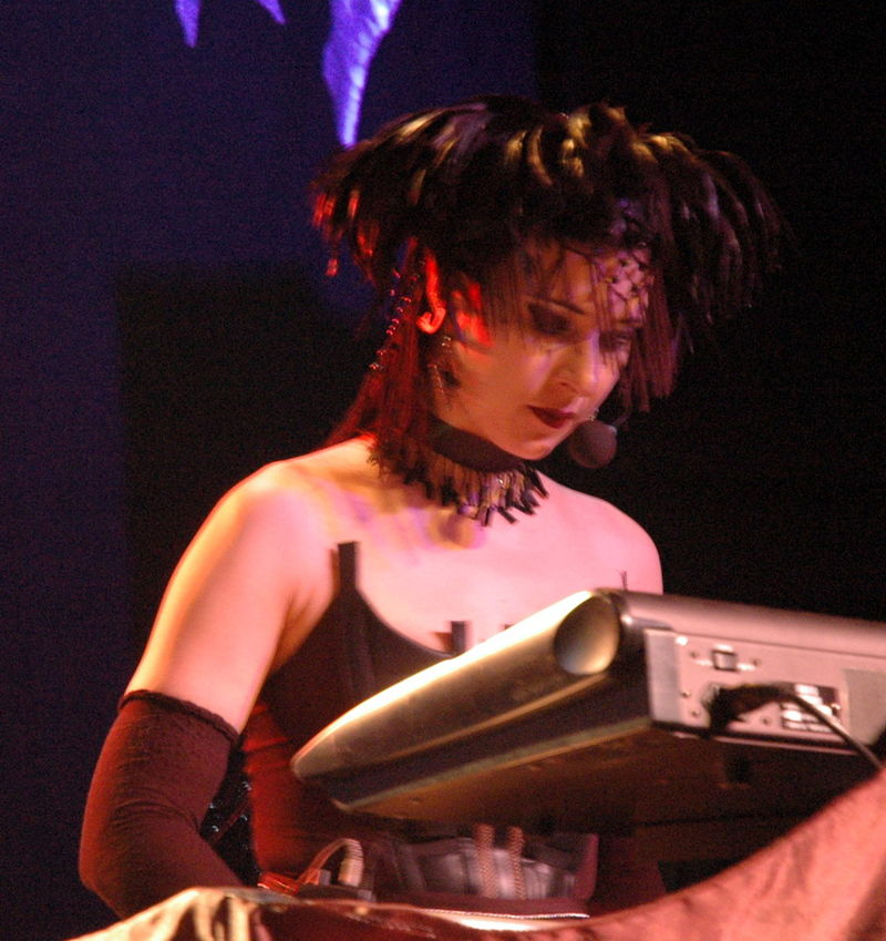 800px-Lacrimosa_2005_-_Anne_Nurmi